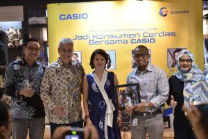 Casio dan Gramedia